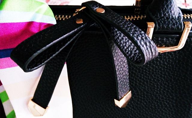 detalii geanta neagra